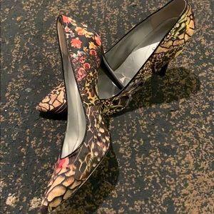 Guess floral heels